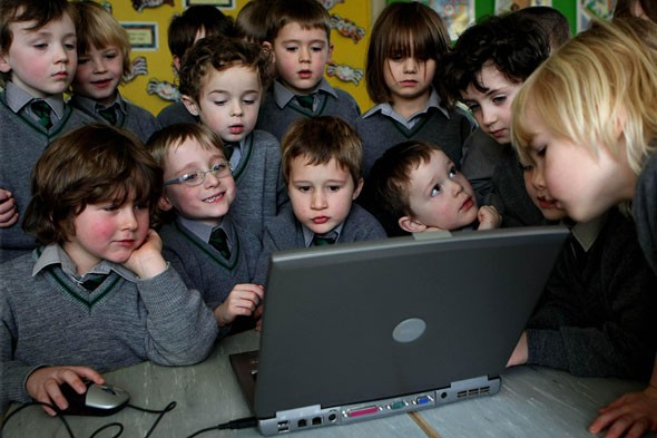 Survey finds youngsters are addicted to social networking