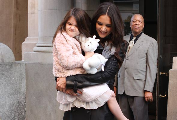 Suri Cruise shows she's not just a pretty face!