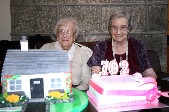 Edith Ritchie and Evelyn Middleton celebrate their birthday together