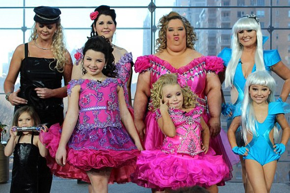 Toddlers and Tiaras: Pageant mums get makeovers to dress like their daughters