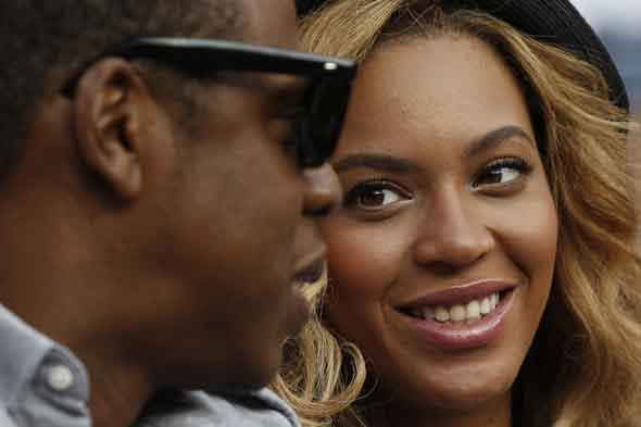 New mum Beyoncé hits out at fake bump rumours