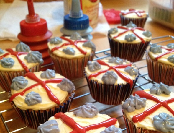 Our House Dad makes: Diamond Jubilee Cupcakes