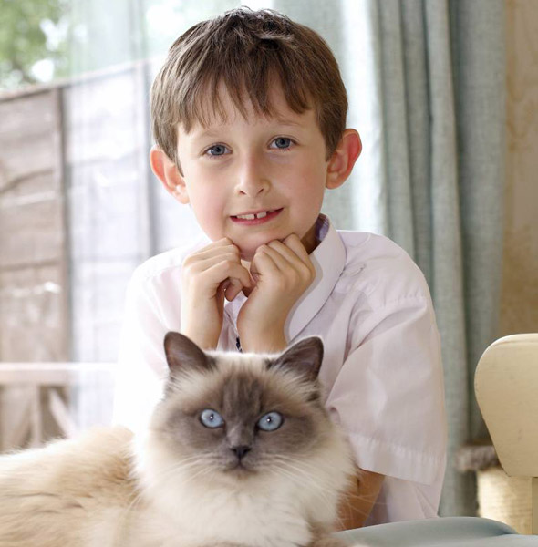 Mute Lorcan, 7, learns to speak - with the help of his purr-fect pal