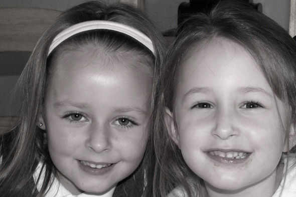 Five-year-old given heart-breaking news her big sister has died after waking from car crash coma