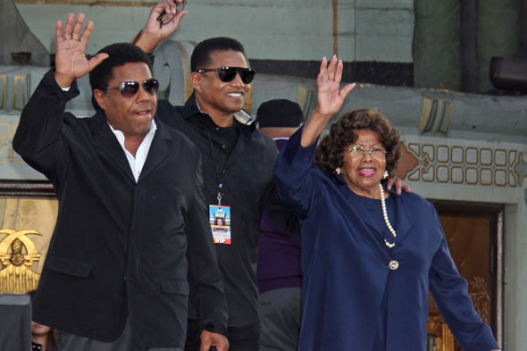 Katherine Jackson re-awarded guardianship of Jacko's kids