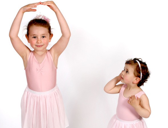 Toddlers in ballet
