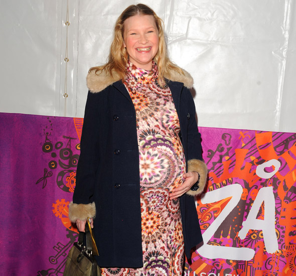 Pregnant Joanna Page shows off bumper belly