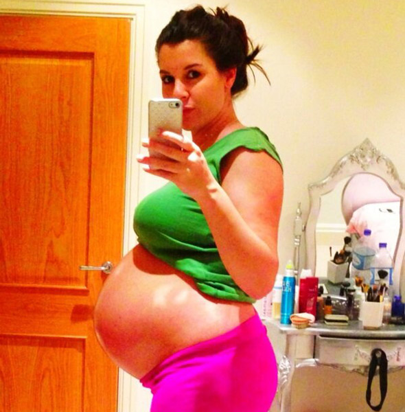 Imogen Thomas gives birth to baby girl