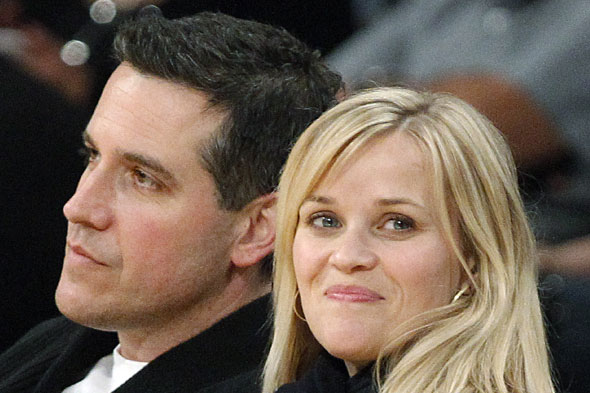 Reese Witherspoon's brain stolen by baby