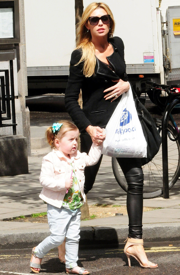 Sophia Crouch shows off dad's genes in skinny jeans