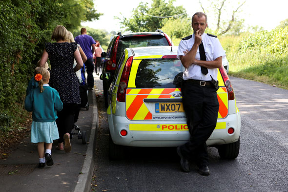 Police guard pupils after attacks with rocks by gypsy tearaways