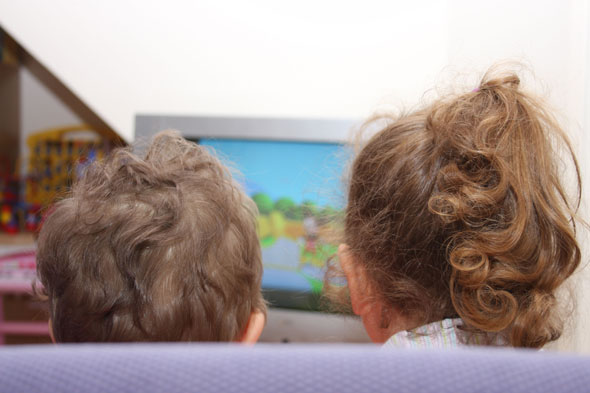 Toddlers who watch too much TV more likely to be bullied, says research