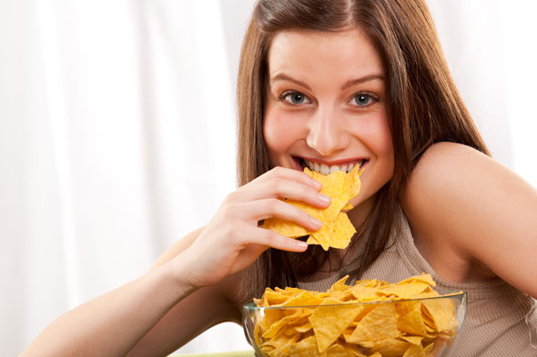 Mums who eat junk food 'more likely' to have badly behaved kids