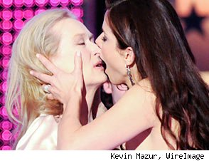 Sandra Bullock and Meryl Streep kiss