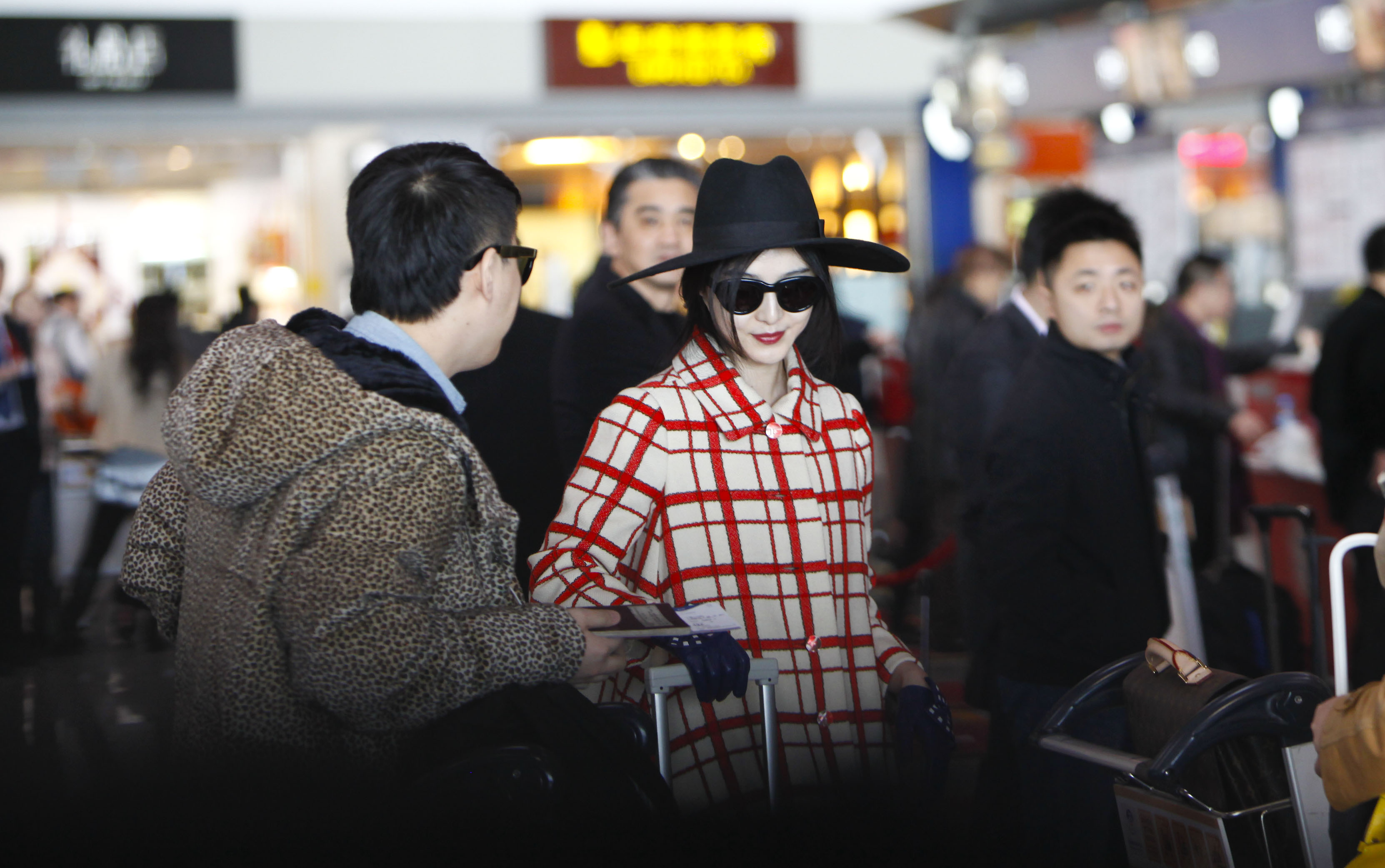 Look Airport Chic Instantly With These Must-Have Travel Pieces