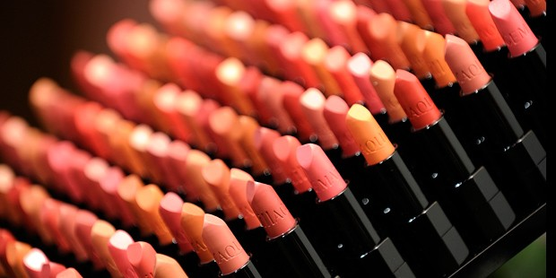 Celebrity Lipstick Tips and Tricks