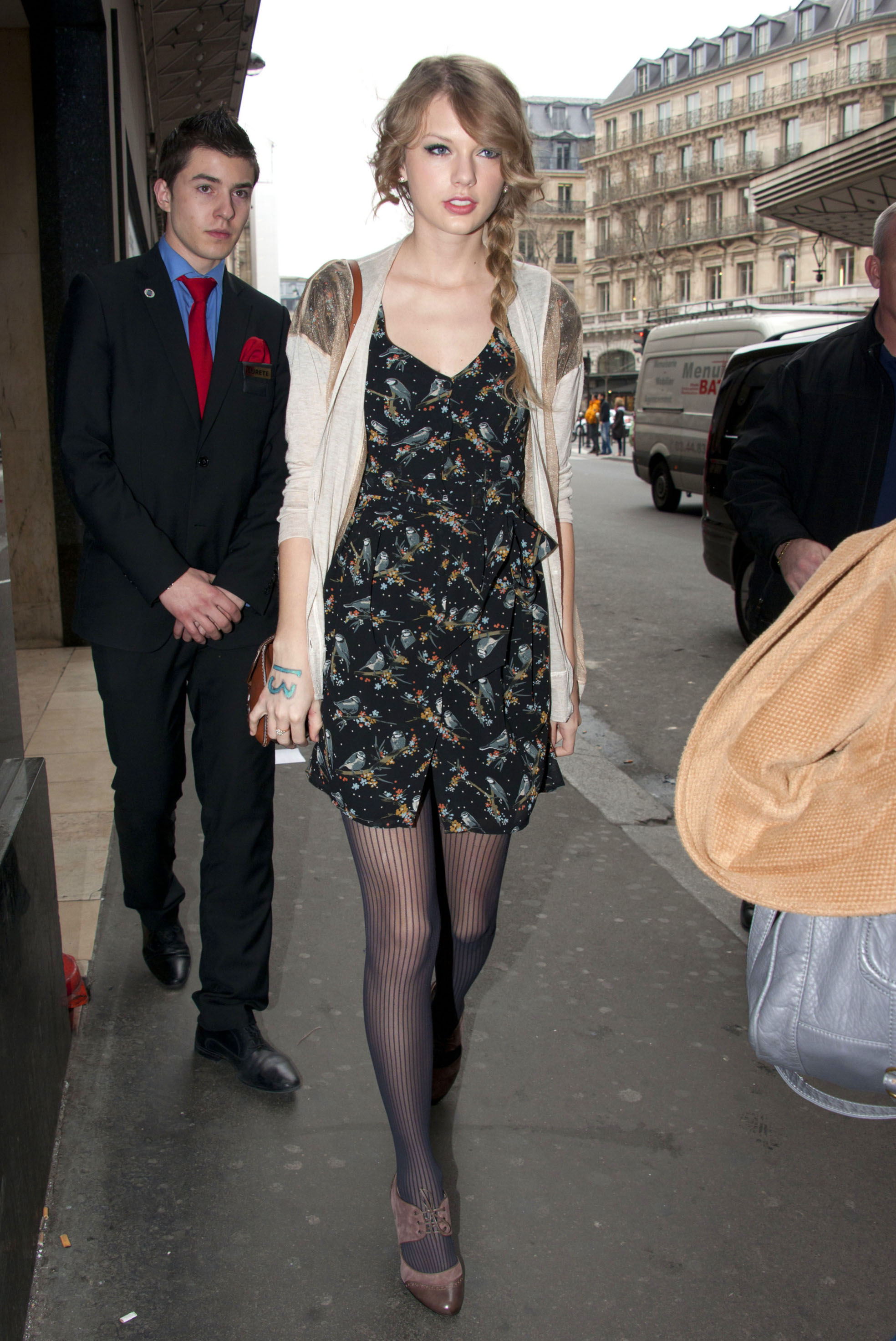 Taylor Swift 39 S Best Street Style Aol Lifestyle