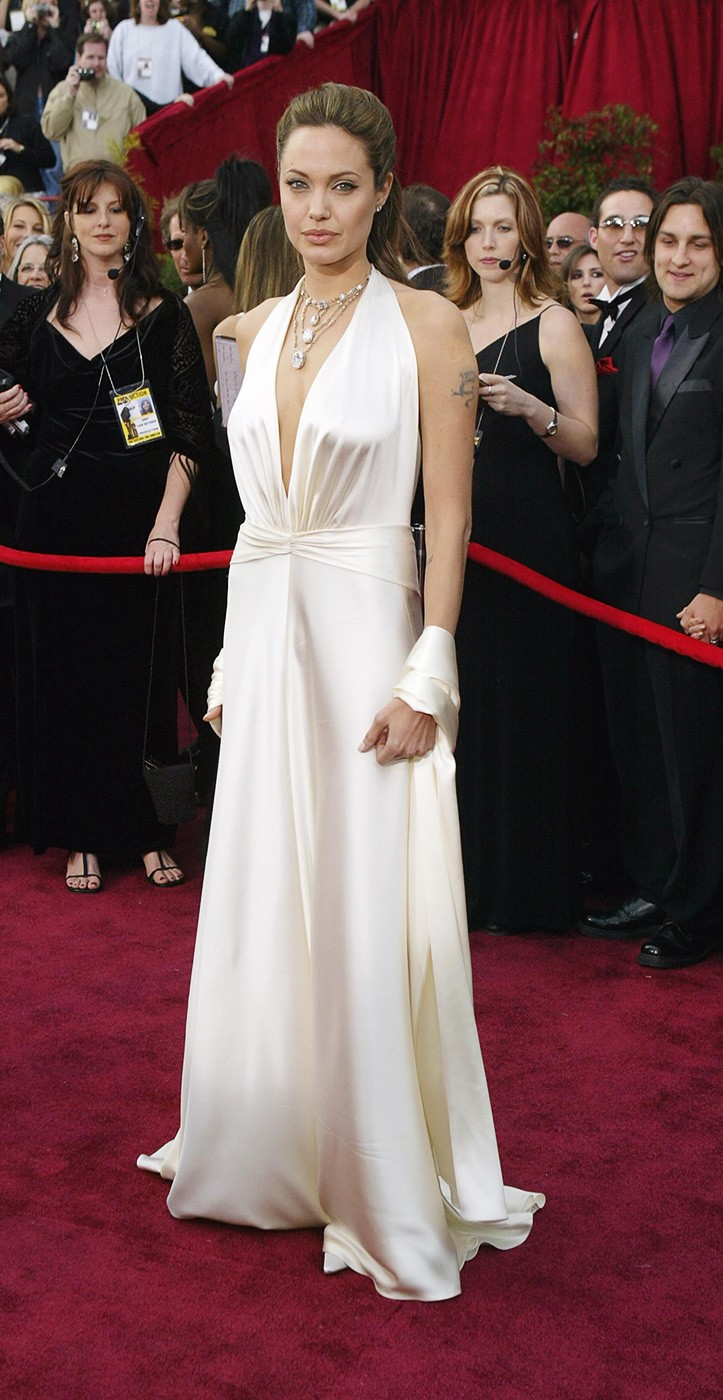 Angelina Jolie S 10 Best Red Carpet Moments Aol Lifestyle