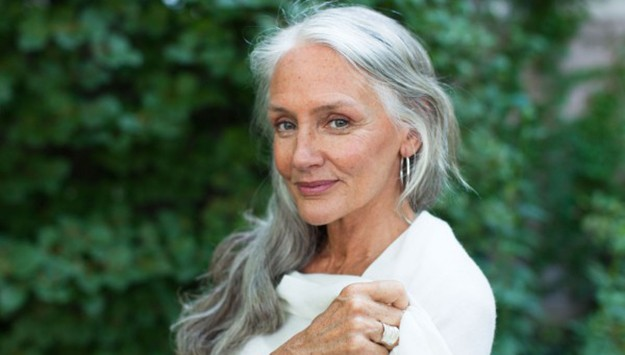 How this 63 year-old model stays gorgeous